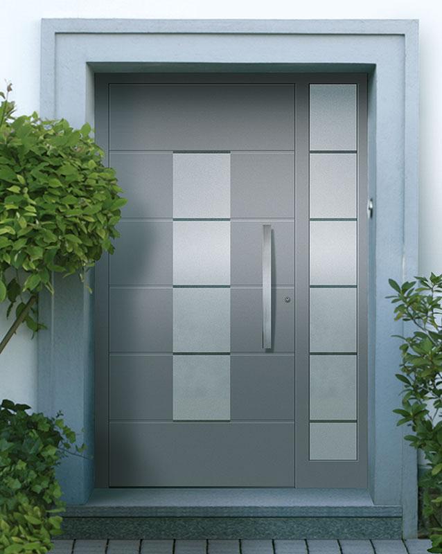 Haustür mit fenster  Türen & Fenster-Studio GmbH in Dreieich